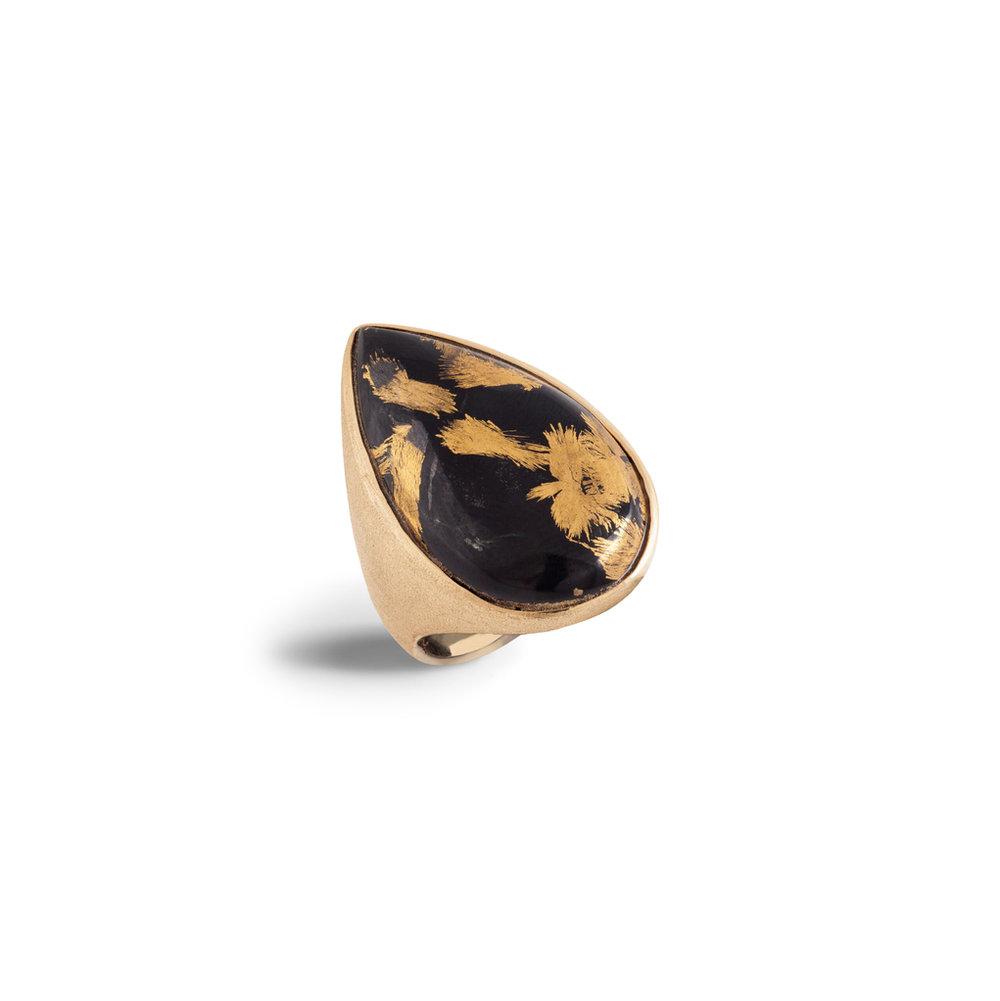 磁铁矿玉镀金戒指,18K黄金戒托