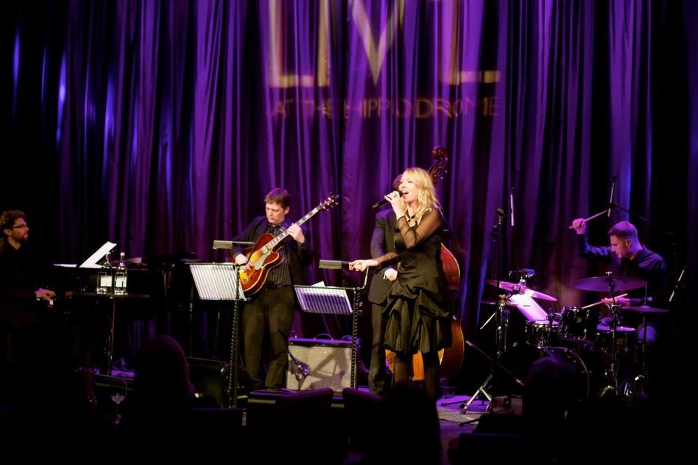 Tammy Weis- Live (12).jpg