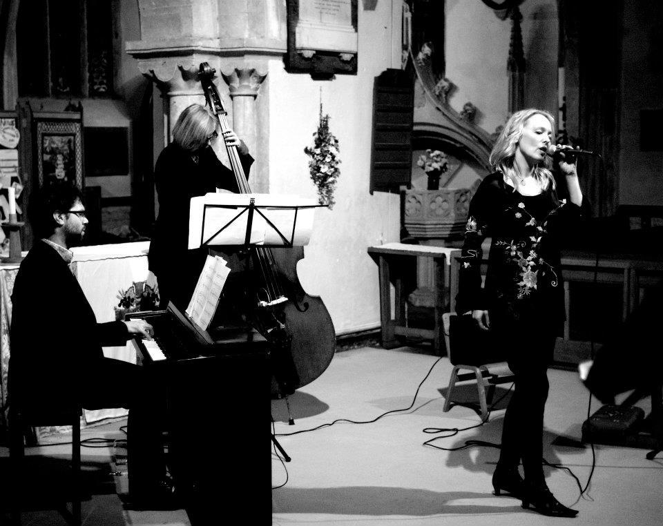 Tammy Weis- Live (15).jpg