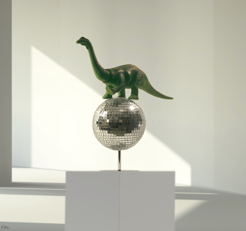 Disco Dinosaur, 2004, mixed media, 40x47cm