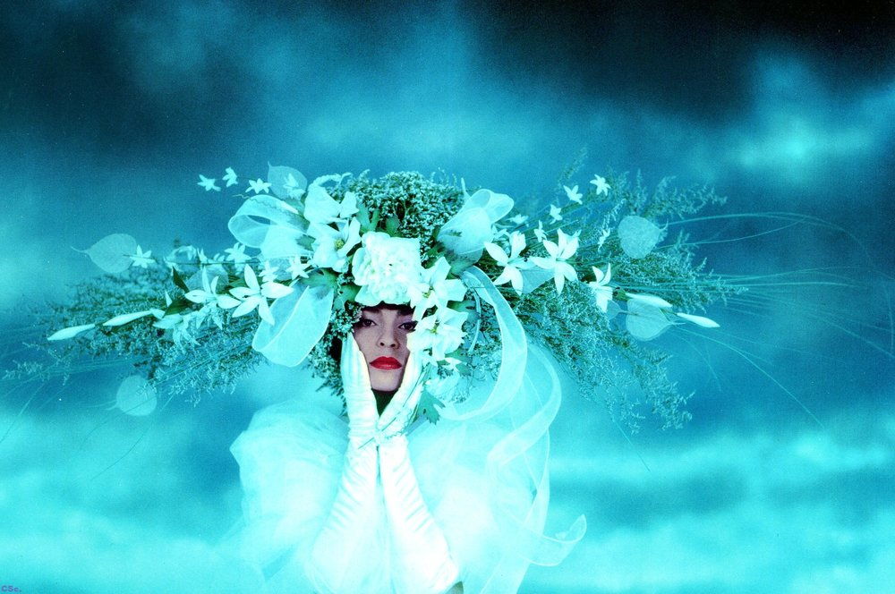 Lynn in Orbital wedding headdress (publicity photo for Flower Studio), photograph by Joe Lyons, 1990
