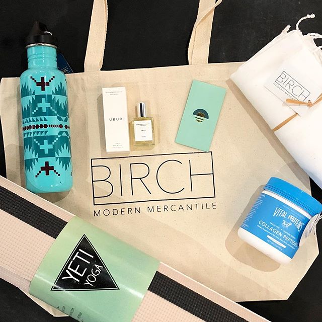 New Year + New You Giveaway 👊 We've teamed up with our favorite non-toxic nail salon in Houston to gift one lucky winner a BIRCH tote full of products to jump start your New Year.  The winner will receive a Yeti Yoga mat, Turkish-T towel, $30 gift card to Paloma Nails, Vital Proteins Collagen Peptides, Made by Yoke Ayurveda perfume oil and a Pendleton water bottle.  To enter: -Like this post ✔️ -Follow @palomanails + @birchmercantile ✔️ -Tag two friends ✔️ -Live in the Houston area ✔️ This giveaway will run from 1/3 - 1/5. The winner will be announced in this original post Saturday. • • Note: The New Year + New You Giveaway is not sponsored, administered, or endorsed by Instagram Inc. or any of the brands in the giveaway. By entering, you are confirming that you are at least 18 years of age, release Instagram of any/all responsibility, and that you agree to Instagram's terms of use. No purchase necessary. Void where prohibited by law.  #cleanliving #nontoxic #newyearsresolution #modernliving #nails #shopsmall #shophtx #houston #palomanails #birchmodernmercantile #giveaway