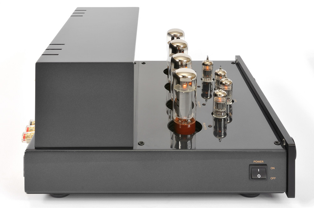 ProLogue Premium Integrated Amplifier - black - side with no cover - HR - JPG.jpg