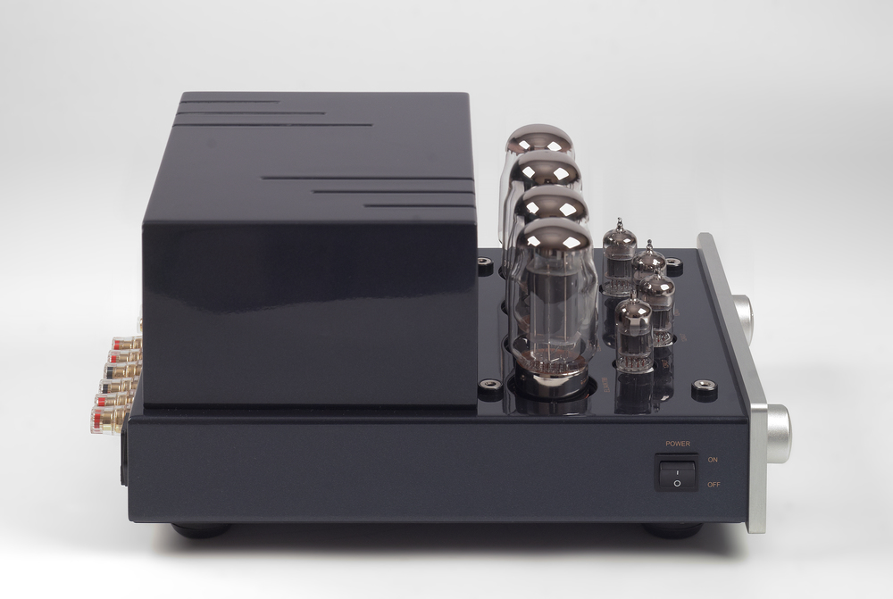 005-PrimaLuna Classic Integrated Amplifier-zilver.jpg