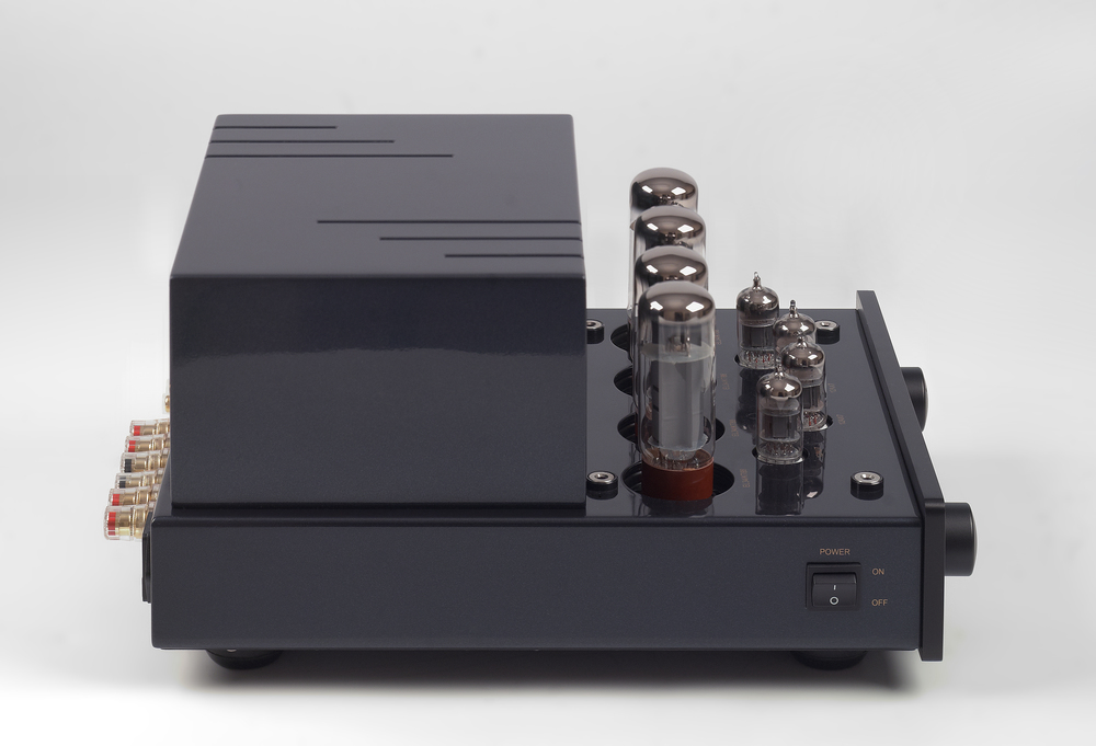 013-PrimaLuna Classic Integrated Amplifier-zwart.jpg
