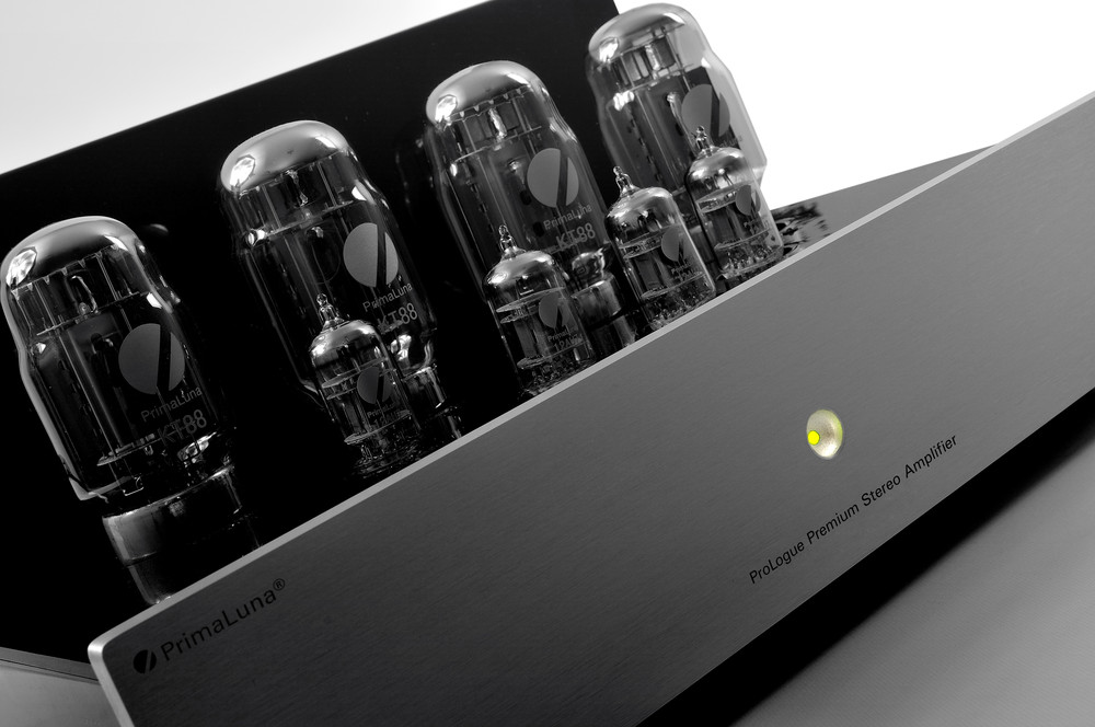 Prologue Premium Stereo Amplifier - silver - special shot - HR - JPG.jpg