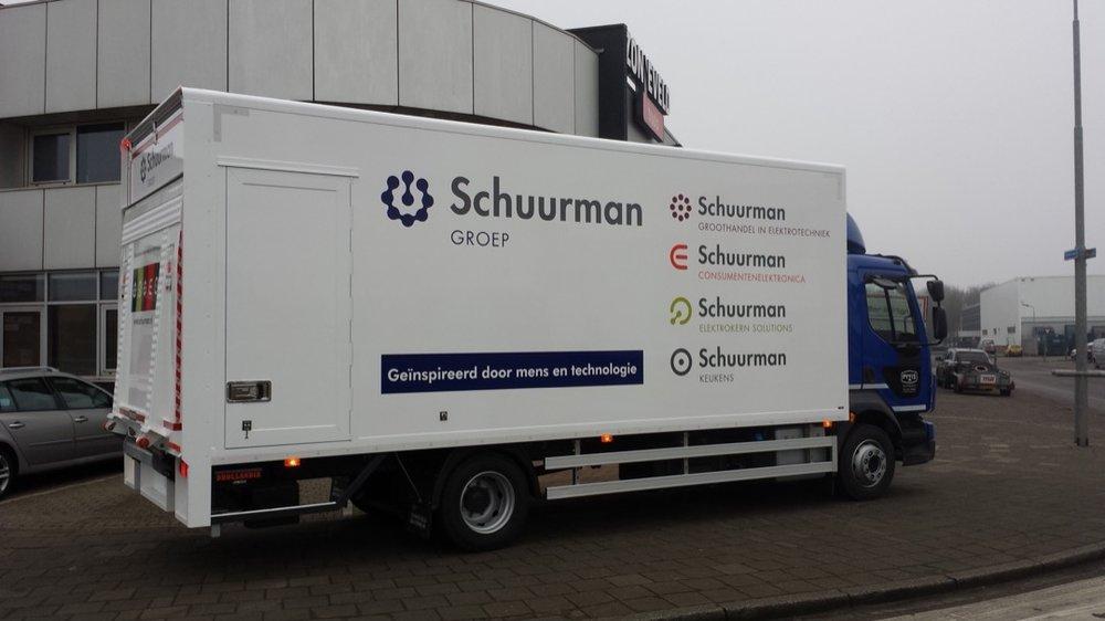 Gesloten laadbak met laadklep voor Pyxis Logistics Beverwijk 3 - 1080px
