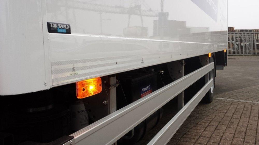 Gesloten laadbak met laadklep voor Pyxis Logistics Beverwijk 7 - 1080px