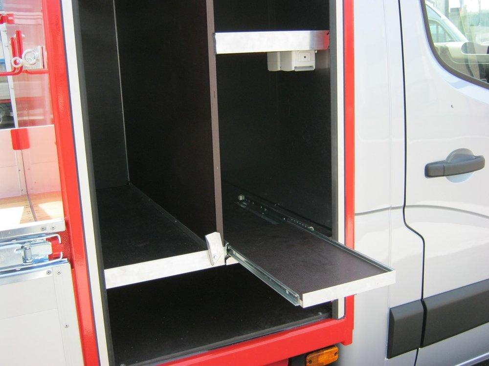 Open laadbak met gereedschapkist voor Breure Zwanenburg 7 - 1080px.JPG