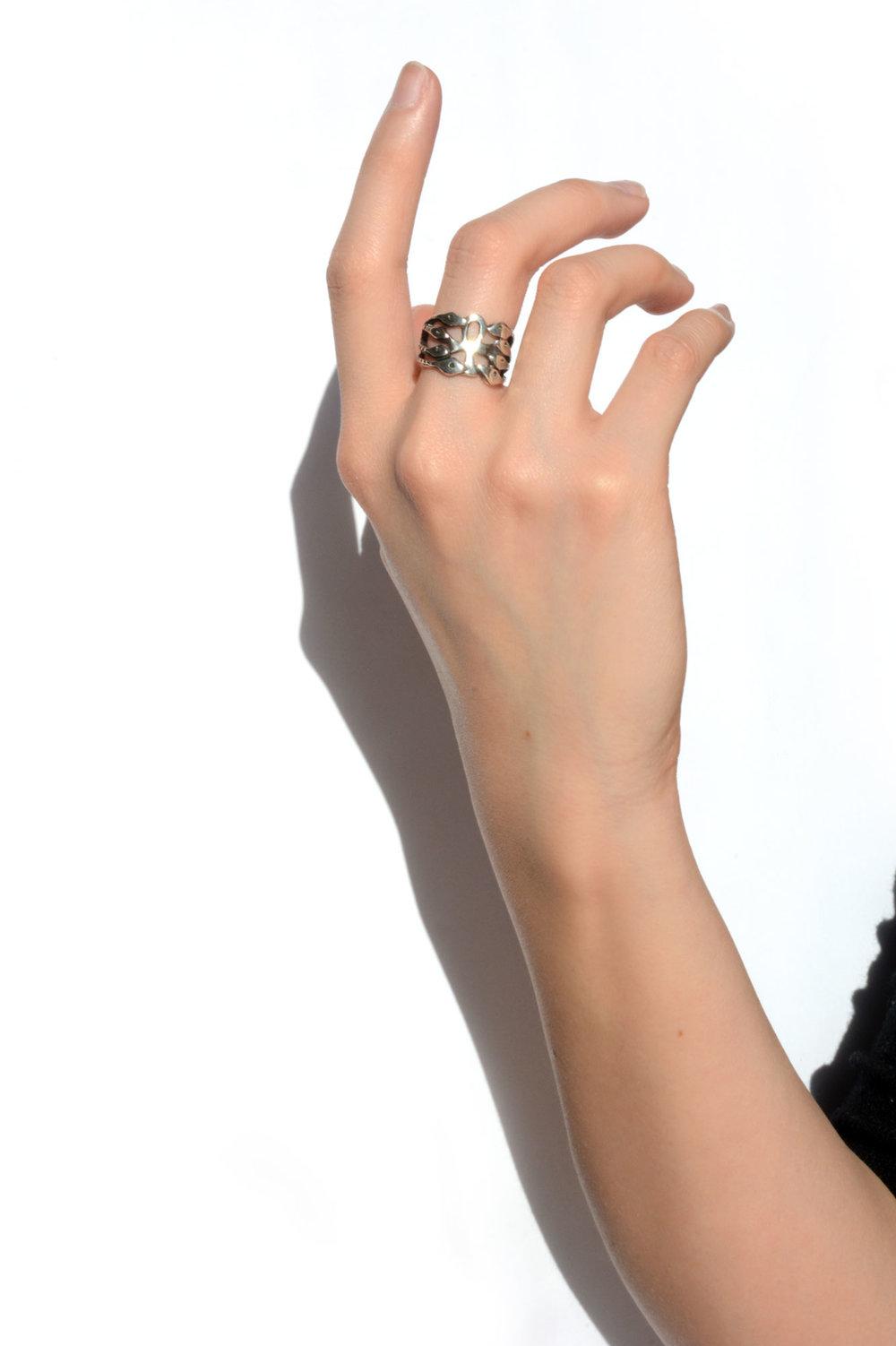 ring_white.jpg