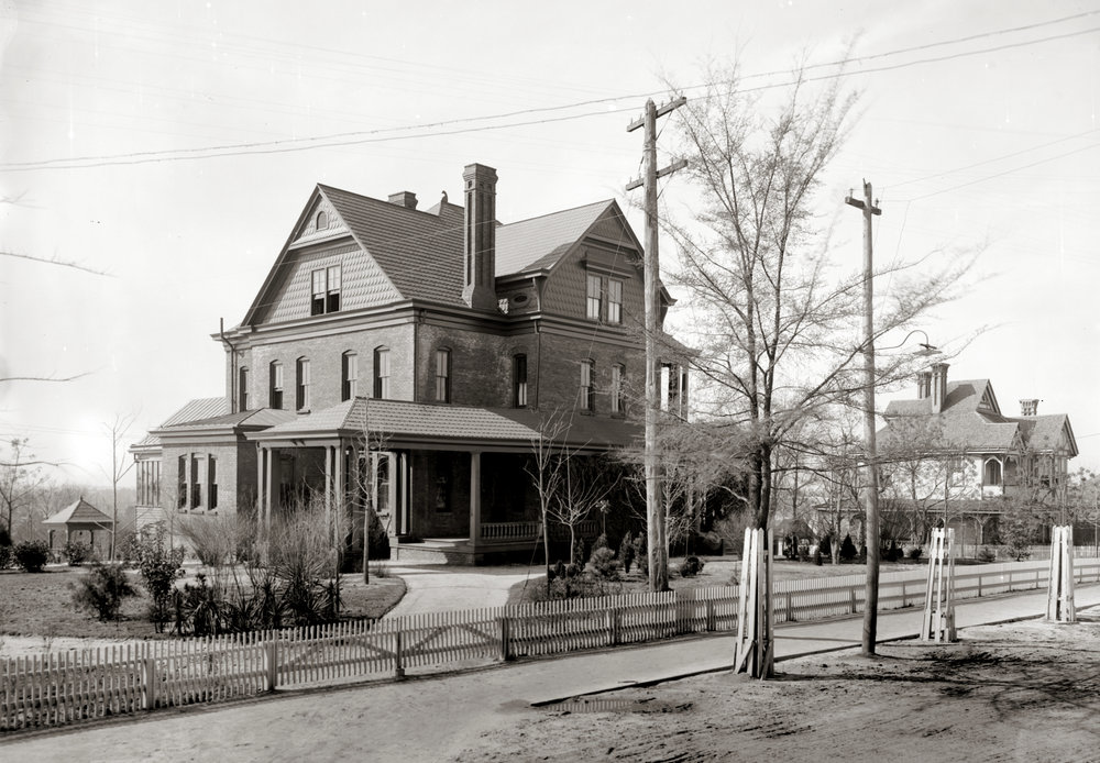 The Oaks at the turn of the 20th Century
