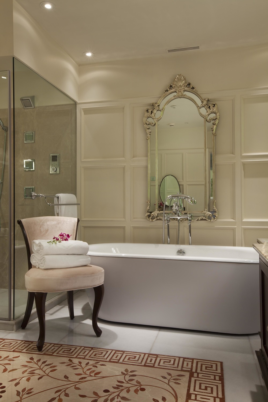H0G6D_37282271_Bella_Vista_-_Bathroom.jpg