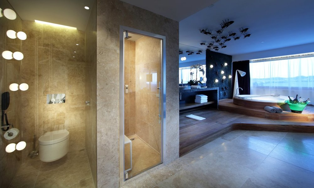 Ushuaia-Suite-Shower.jpg