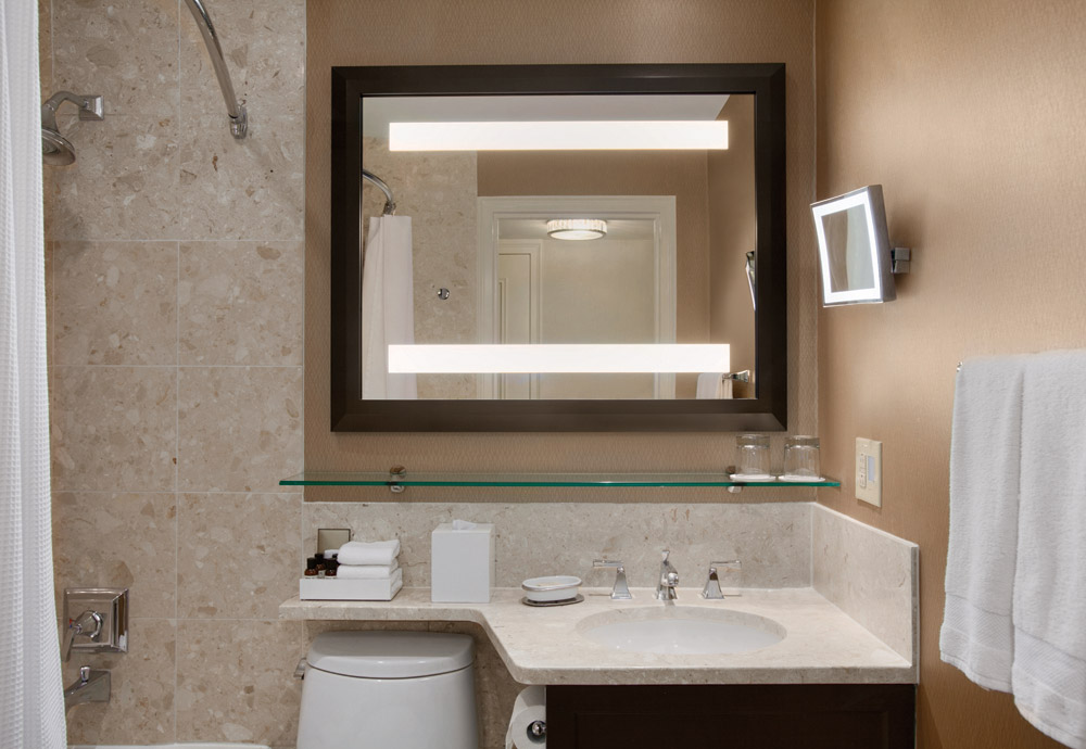 Double-Double-Fairmont-Luxury-Bathroom-922908-1.jpg