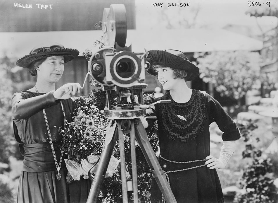 Helen_Taft&May_Allison.jpg