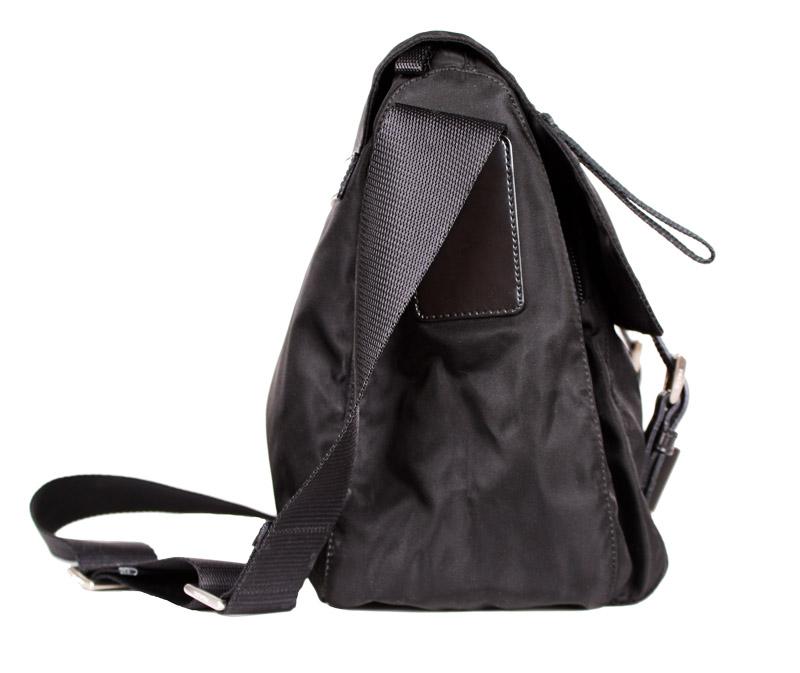 a16fb7fa5583 Prada Small Black Messenger Bag with Zipper Pocket. prada-2018 (1).jpg.  prada-2018 (2).jpg