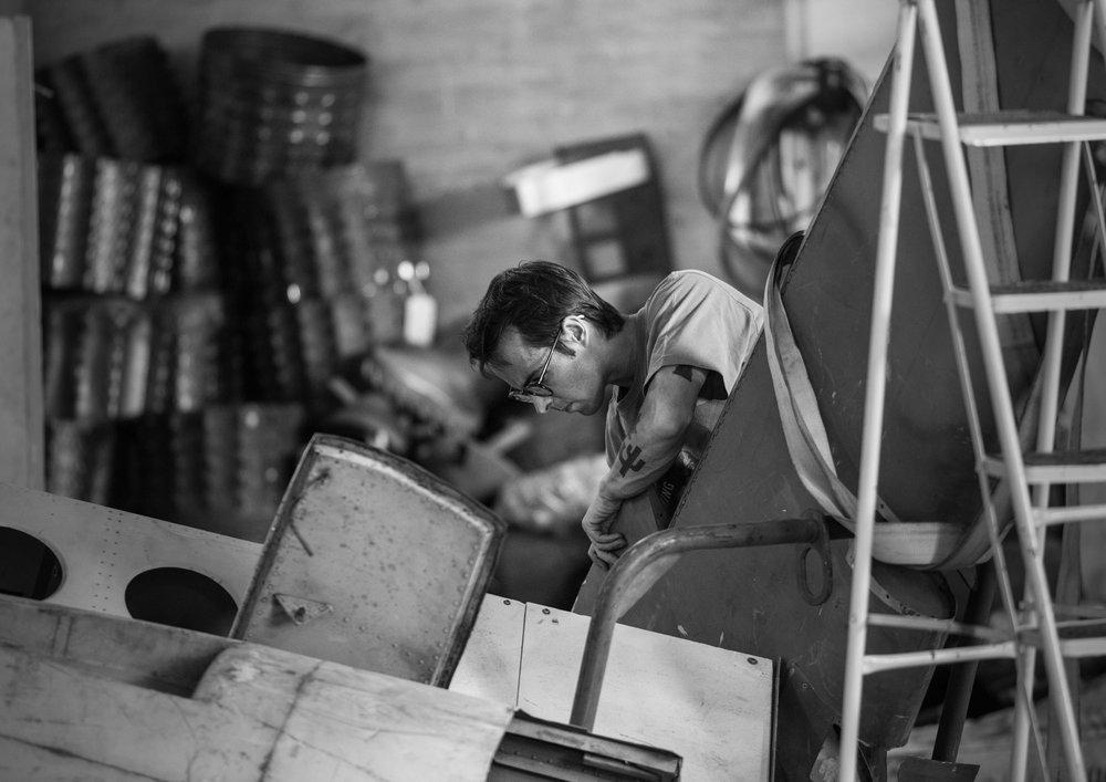 Mario Amaro Ingles at work in his studio