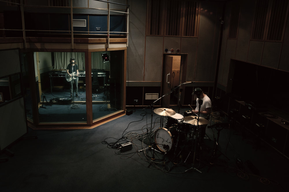 Bryde records a Maida Vale Session for Radio 1