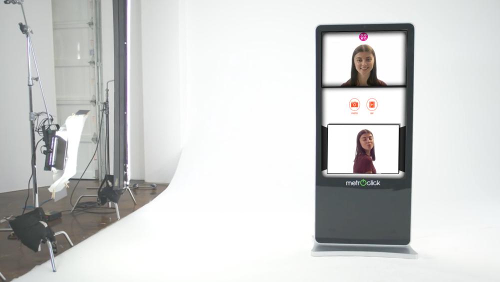 photobook touchscreen kiosk