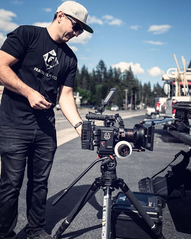 Another gratuitous BTS shot. Here @westonwalker_dp preps the @reddigitalcinema Gemini with Lomo square front Anamorphics. Paired with @brighttangerine misfit and @schneideroptics Rhodium NDs this is a lethal combo. What are your favorite vintage lenses?