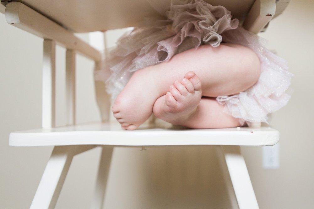 reno photographer baby toes in tutu kristi gayton photography