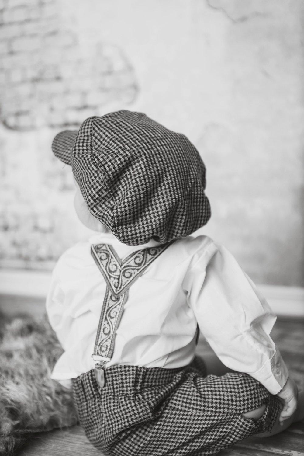 reno children's photographer baby outfit vintage kristi gayton photography