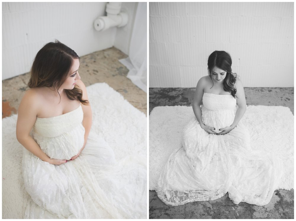 reno maternity photographer mom sitting pose kristi gayton photography