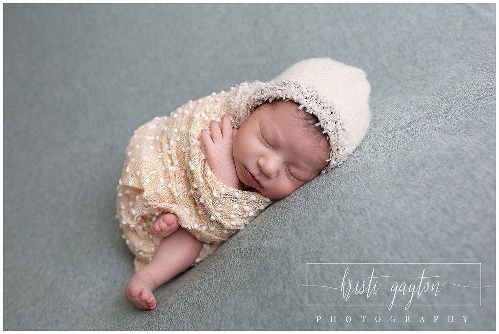 newbornbeanbagsimpleposingrenonv