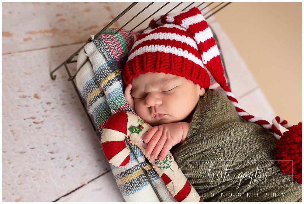 newbornsantaclauskristigaytonphotography