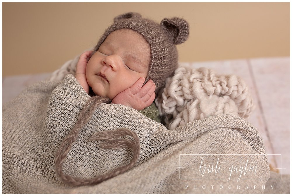 babybearnewbornkristigaytonphotographerrenonewborn