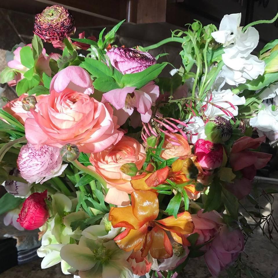 What's Included - Centerpiece VaseFresh, Seasonal Flowers & FoliageInstruction
