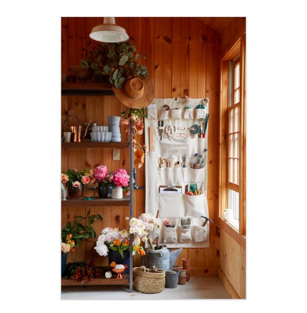 What's Included - Flower Styling KitCopper VaseFresh, Seasonal Flowers & FoliageInstruction