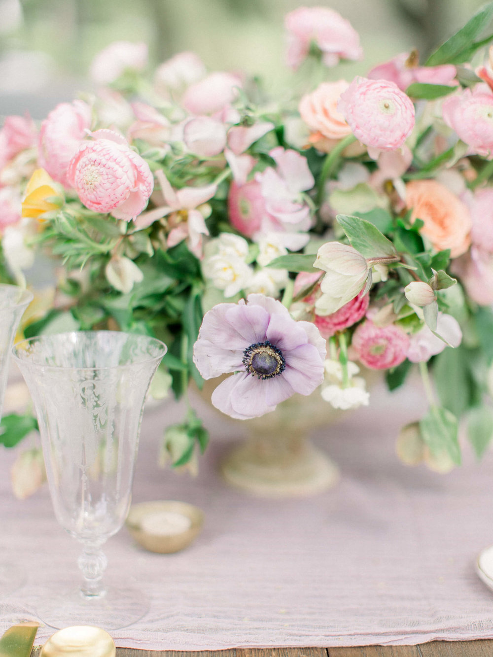 $6000 - the Giverny——Glorious ceremony displays, flower-adorned bridal parties, and over-the-top reception settings for medium to large weddings