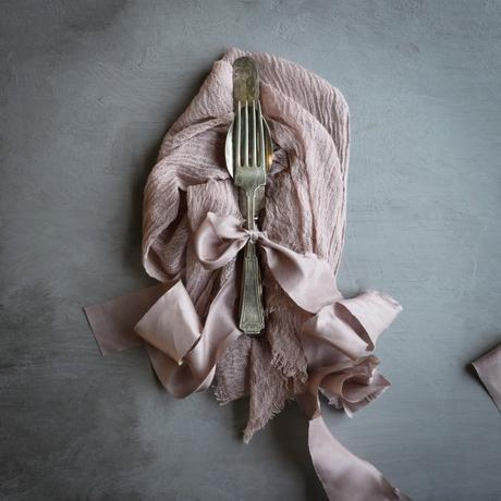 Medium Weaves - The rose is the perfect complement to blush and greens