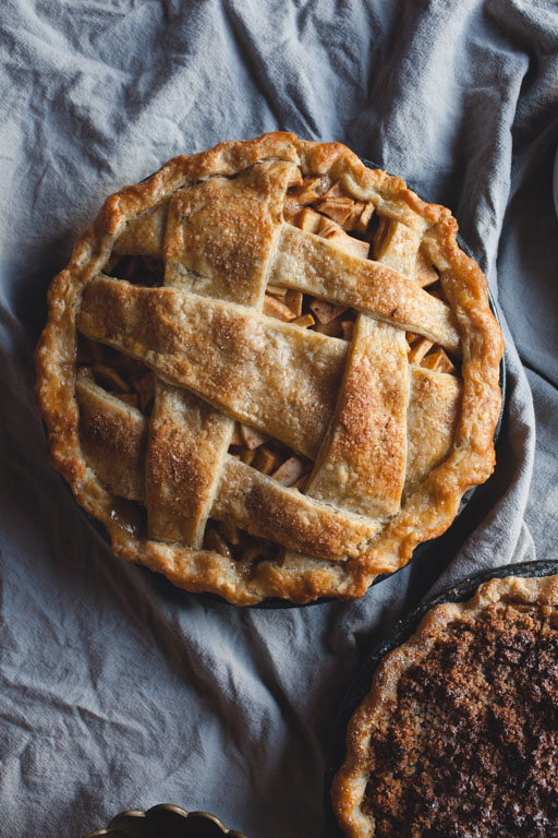 Heirloom Apple Pie - of the dirt