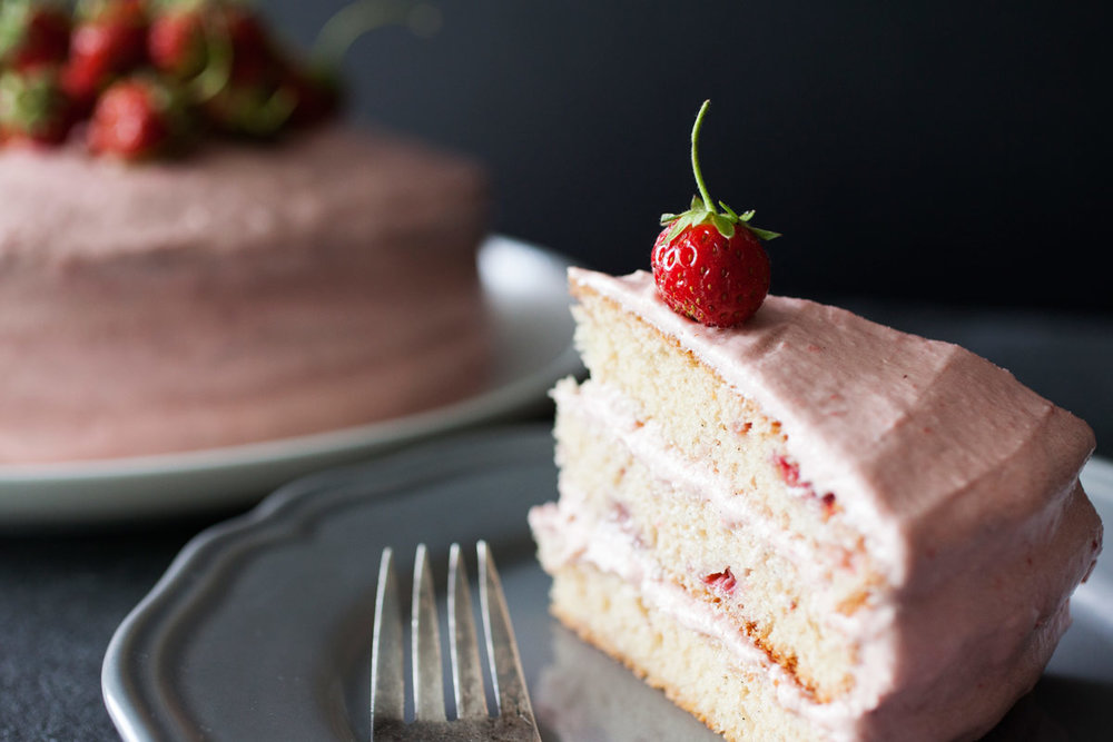 Fresh Strawberry Cake - bonnie plants