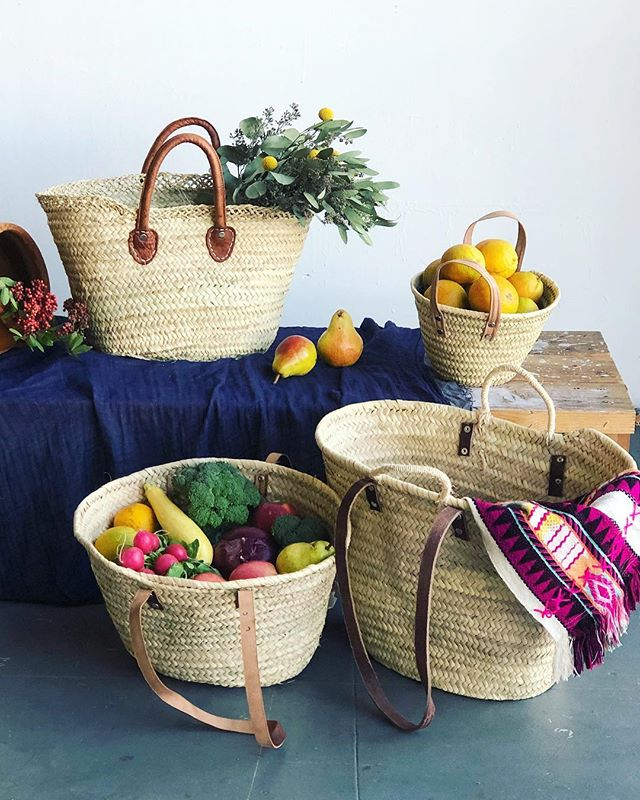 Happy Market Sunday! .  PS- if you're looking for a cute and useful Christmas gift, you can find these baskets in my online shop! #whatsinyourbasket #ofthedirt #marketbasket #hillcrestfarmersmarket #buylocal #cagrown