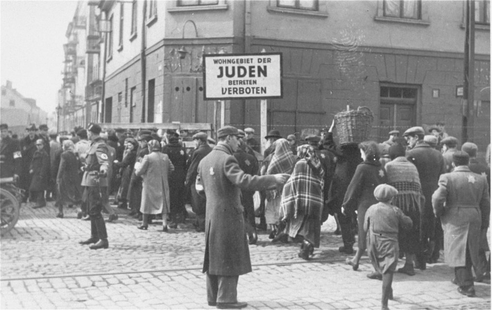 Jewish-police-in-Lodz-ghetto.jpeg