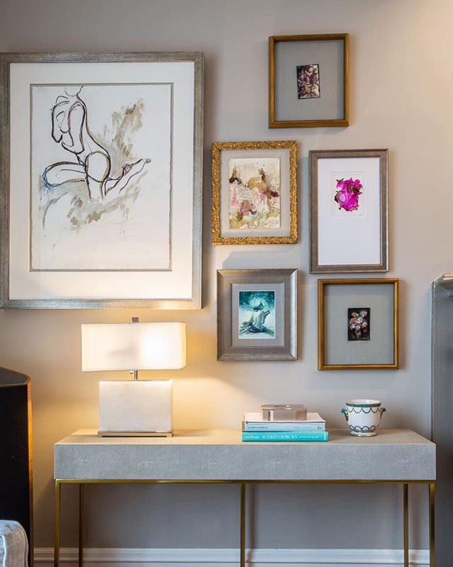 It takes great artwork to make the perfect gallery wall. Design by hk+c. #hkplusc #artwork #personal #style #console #femininity #design