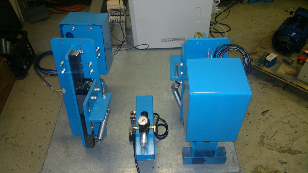 Dual Laser thickness testers.jpg