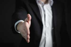 Acing the second interview … Do's and Dont's - handshake