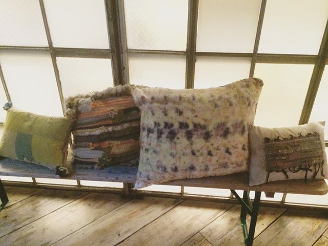 Have your own fiberhouse / #Pillows in situ at @spaceninety8 for tonight's Edible Art Benefit with @scratchsniffstudio / these pillows were made with #foodwaste and other #naturaldyes using scraps + locally sourced wool / #spaceninety8 #naturaldye #pillow #pillowtalk #weaveweird #sustainableliving #naturallydyed #nowaste #fiberhousecollective #textilelove #homedecor
