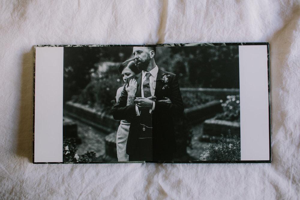 I-Got-You-Babe-Weddings-Fine-Art-Books30.jpg