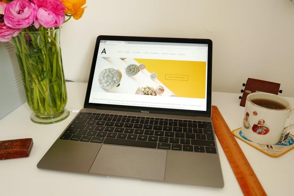 desk-flower-layout.JPG