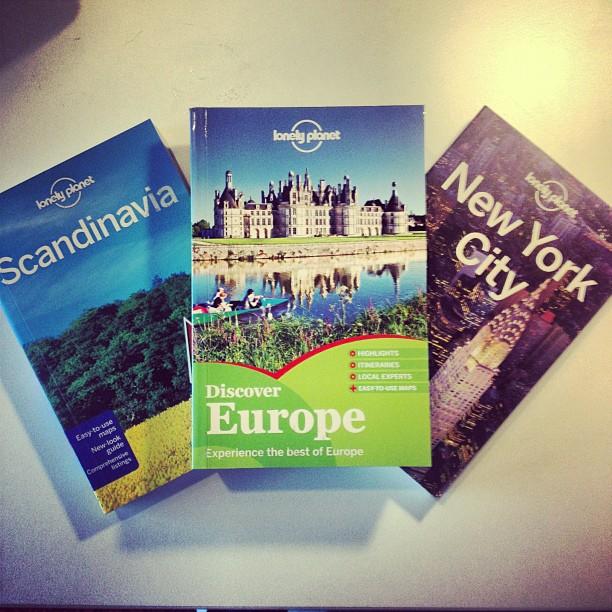 Zo, naar waar trekken we jongens? Genoeg Lonely Planet voer voor volgend jaar! #happycamper
