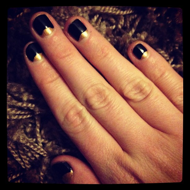 Black & Gold, ready for the #weekendblogawards #nails (Taken with  instagram )