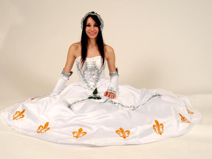 Princess Garnet Sit.jpg