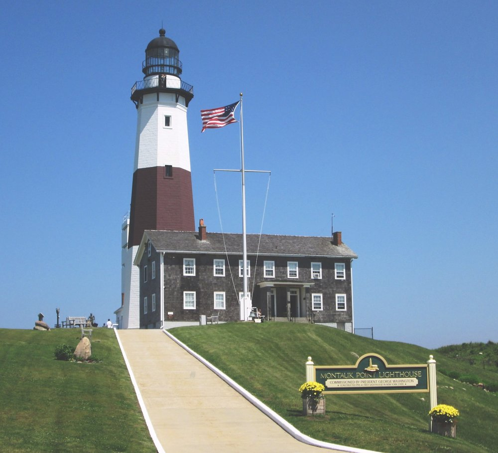 Montauk_Point_Lighthouse_from_west-min.jpg