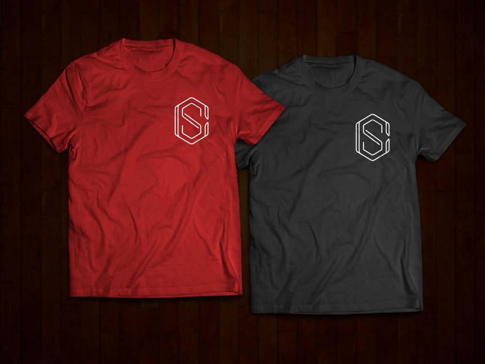 COLLAR AND SLEEVE LOGO T-SHIRT