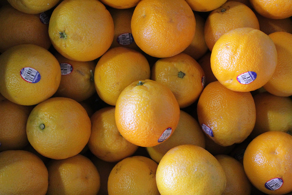 Sunkist oranges sold at Robt. t. Cochran & Co.